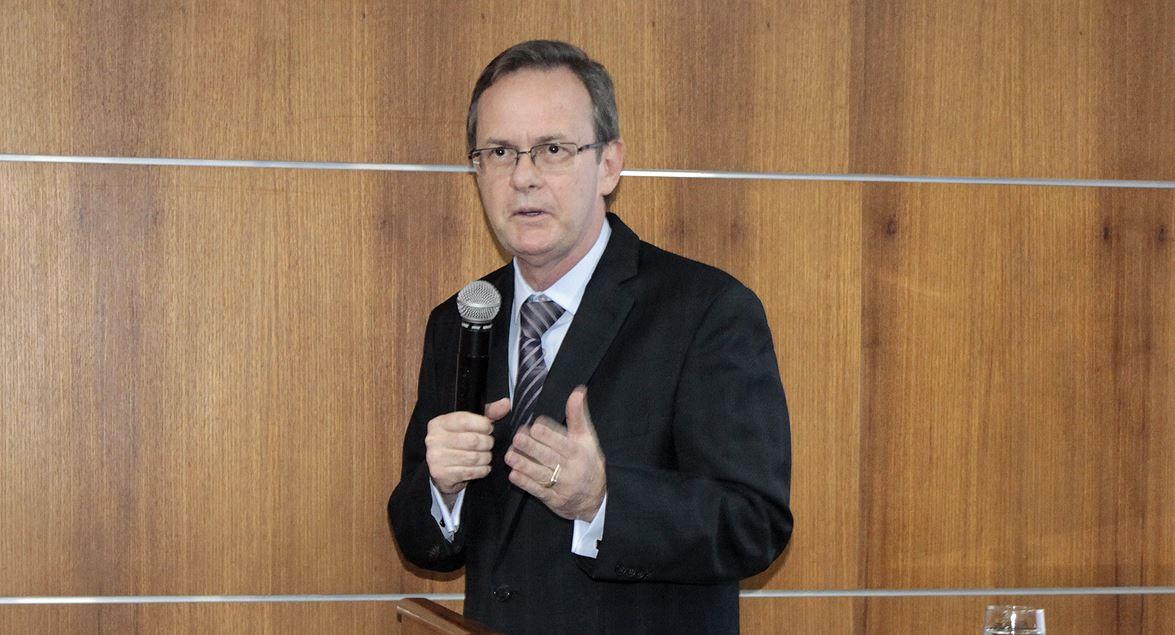 José Eduardo Sabo Paes, procurador de Justiça do Ministério Público do Distrito  Federal e Territórios (MPDFT), falou sobre o desvio de finalidade ... 231e3363be